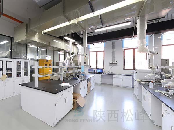 高校实验室